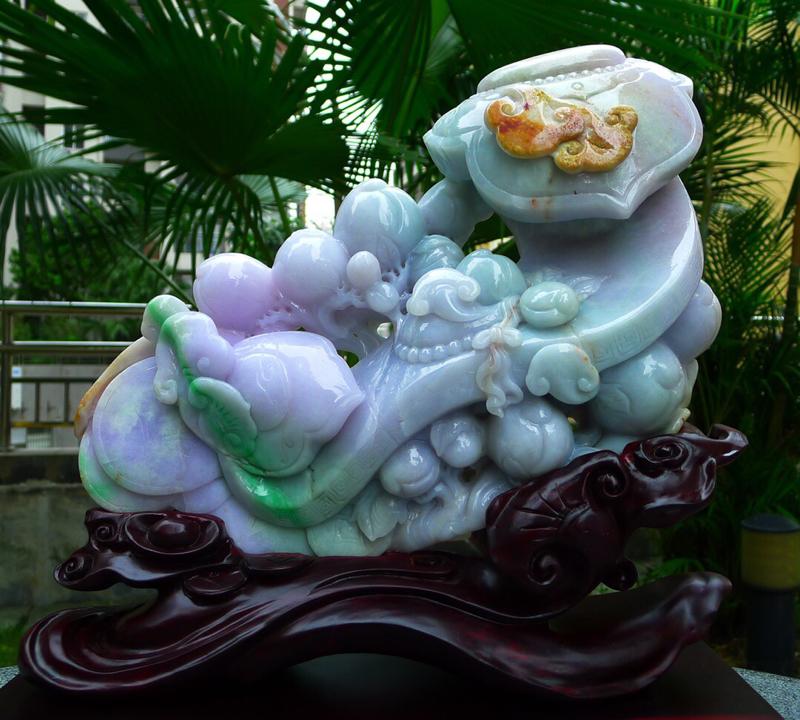 缅甸天然翡翠A货 精美春带彩 八方来财 财源广进 万事如意 如意摆件 雕刻精美线条流畅 种水好 搭配