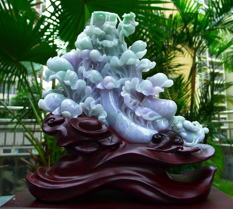 缅甸天然翡翠a货 精美 春带彩 一鸣惊人 八方来财 财源广进 升官发财 白菜摆件 雕刻精美线条流畅种