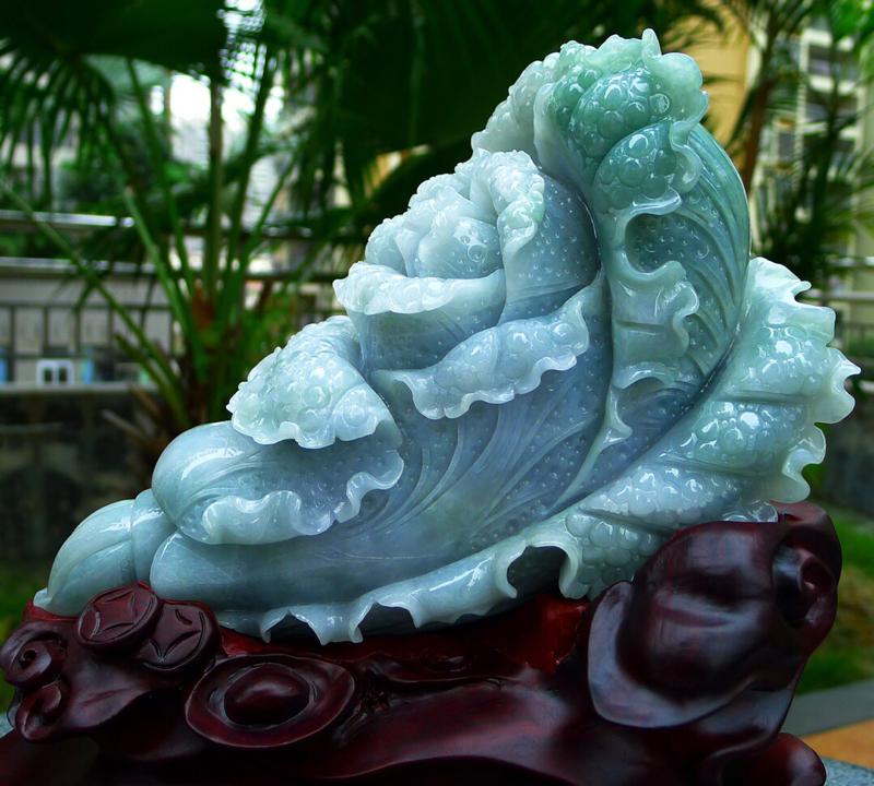 缅甸天然翡翠a货 精美 八方来财 财源广进 升官发财 白菜摆件 雕刻精美线条流畅种水好 搭配精美高档