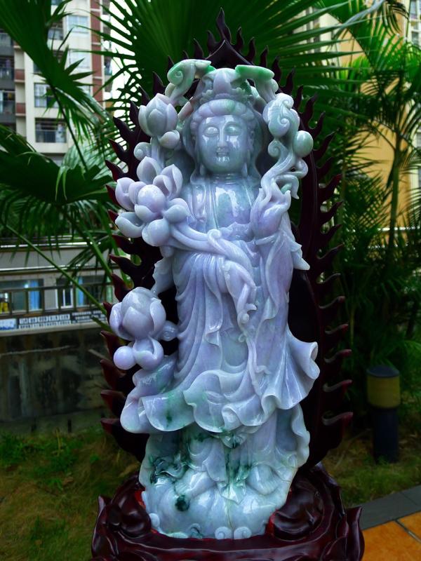 缅甸天然翡翠A货 精美春带彩莲花观音摆件 雕刻精美线条流畅 种水好 立体大尊 色彩鲜艳 料子细腻 开