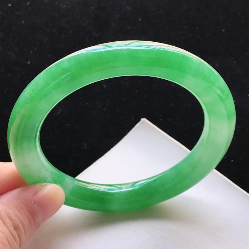 翡翠a货,老坑糯种水润青阳绿圆条手镯,圈口56.2/10.2/10.3,玉质细腻,色美种足,上手高贵