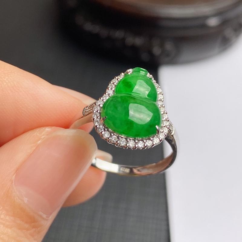 A货翡翠-种好满绿18k金伴钻葫芦戒指,尺寸-裸石12.3*9.2*3mm整体14.6*11.6*6