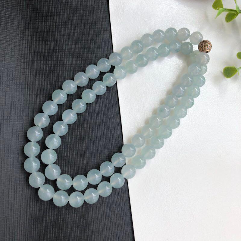 冰糯种飘花翡翠珠链项链     68颗     直径10.0毫米    质地细腻     款式时尚大