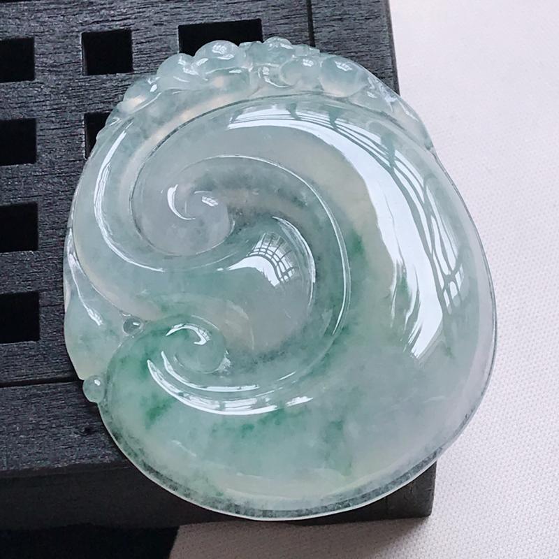 翡翠a货 冰糯种水润飘花如意吊坠,玉质细腻 色美种足 尺寸51.0/41.5/6.7