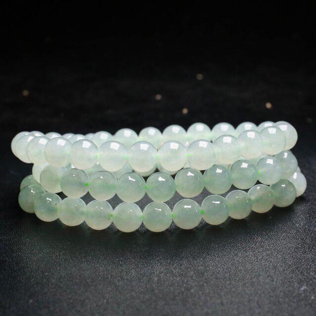 天然翡翠珠链,共72颗珠子,取其中一颗珠尺寸大约9.6mm,珠子清秀高雅,实物漂亮,莹润光泽,配珠