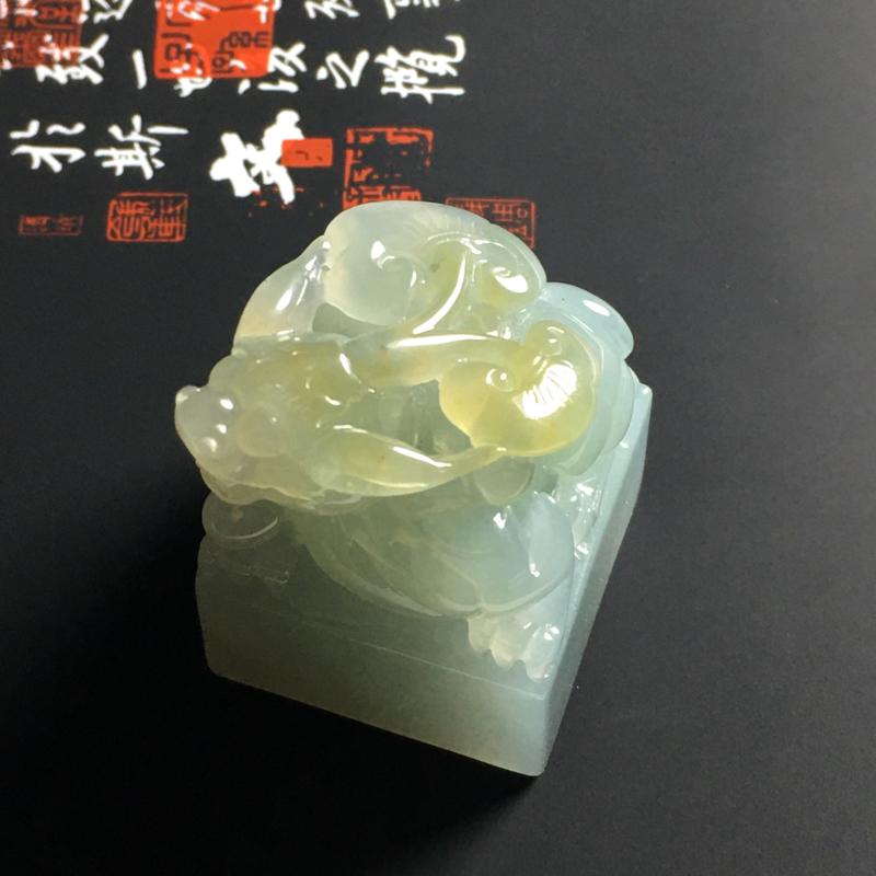 糯化种黄翡貔貅印章 尺寸37-25.5毫米 水润通透 细腻清爽 雕工精细