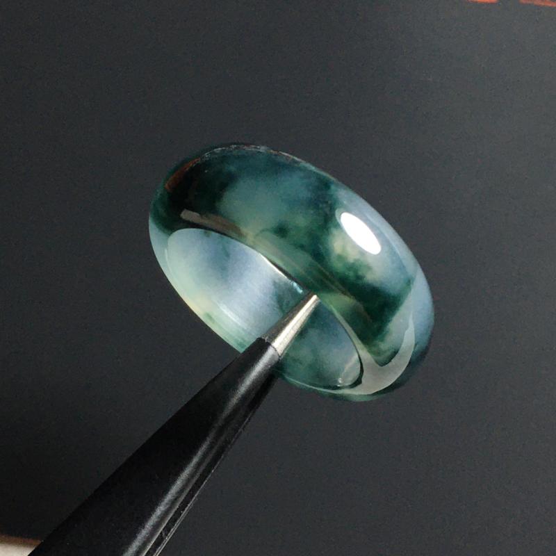 冰种飘花指环 外径23宽6.5厚3毫米 内直径17毫米 种好冰透 飘花灵动