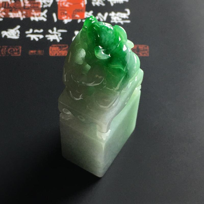 糯种带色貔貅印章 尺寸53-21-15毫米 玉质细腻 翠色艳丽 雕工精湛