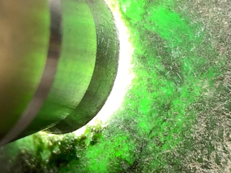 后江色全赌料🤩🤩整体形状立体厚装 皮壳紧致细腻  雾层厚 油性不错 打灯肉质细腻 压灯绿色浓阳正