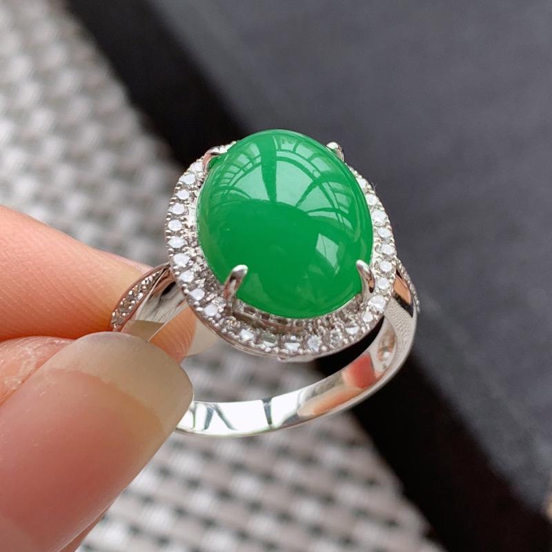 A货翡翠-种好满绿18k金伴钻蛋面戒指,尺寸-裸石12.9*10.3*3.8mm整体16*13.5*