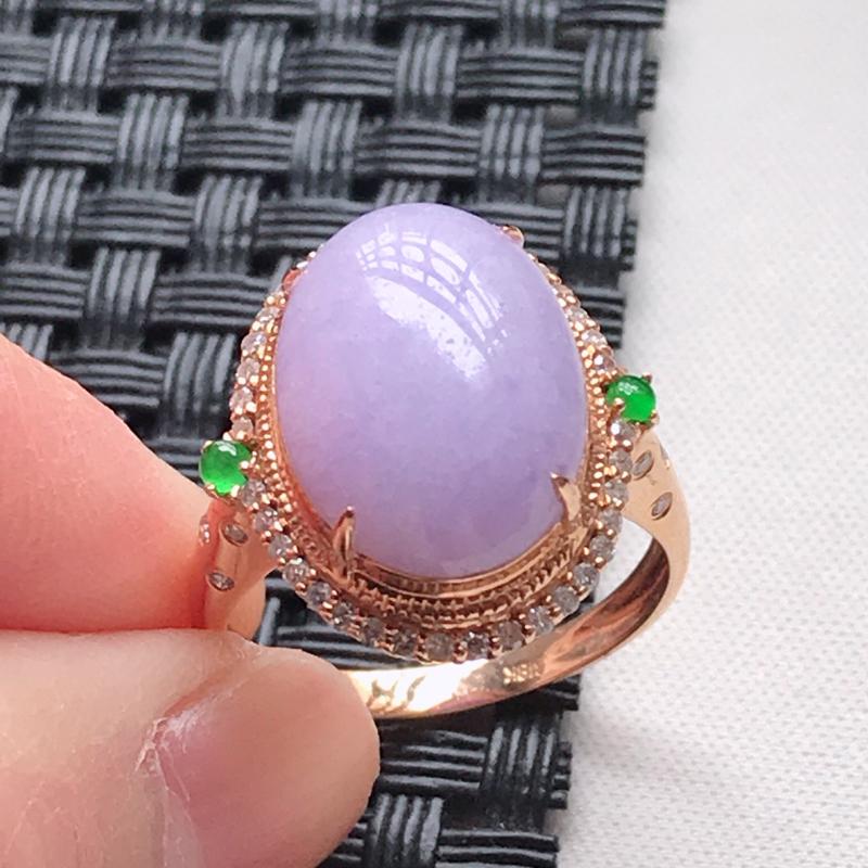 天然翡翠A货 18K金伴钻糯种满色紫罗兰蛋面戒指,玉质细腻,色美种足,上身高贵漂亮,尺寸内径17.3