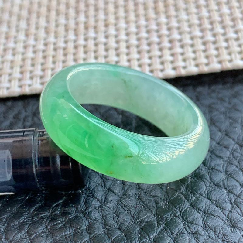 冰透指环、A货翡翠冰透飘阳绿翡翠指环、编号0113