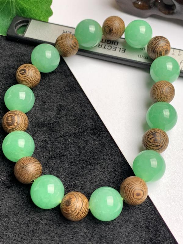 A货翡翠-种好满绿圆珠手链,尺寸-其一圆珠直径11.8mm,隔珠为装饰