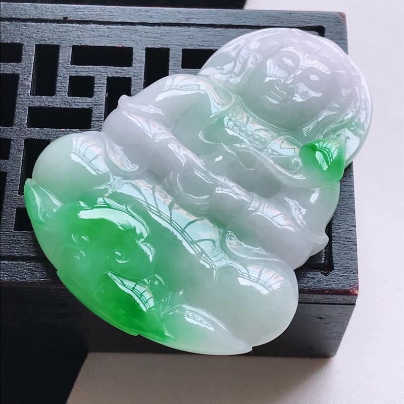 翡翠a货 糯种飘阳绿观音吊坠,玉质细腻水润,颜色漂亮,雕工精致,尺寸54.6/42.0/7.0