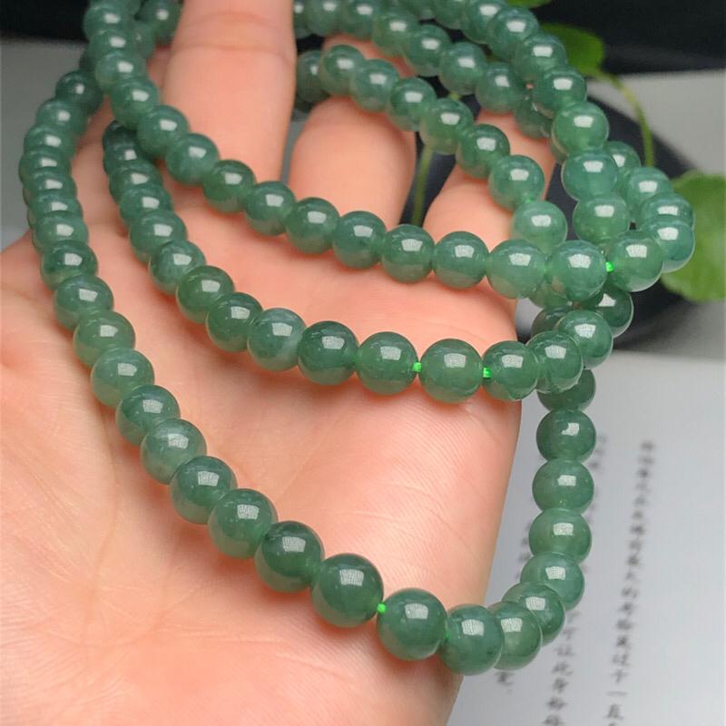 【细豆种深晴底翡翠珠链项链、108颗、直径6.7毫米、质地细腻、色彩鲜艳、隔珠是装饰品、ADA151C12】图7
