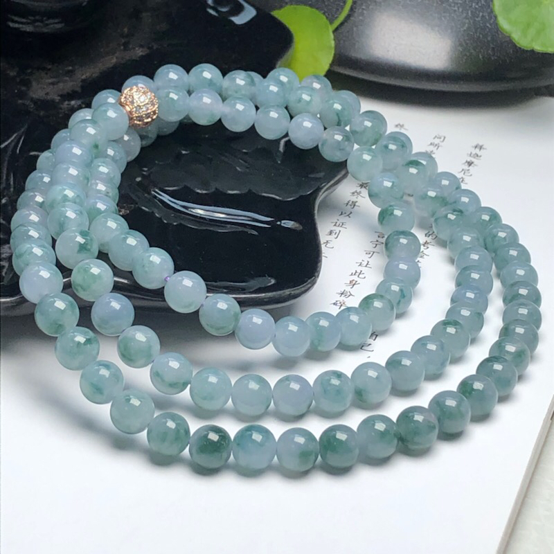 【细豆种飘花翡翠珠链项链、108颗、直径7.1毫米、质地细腻、飘花灵动、隔珠是装饰品、ADA219C35】图2