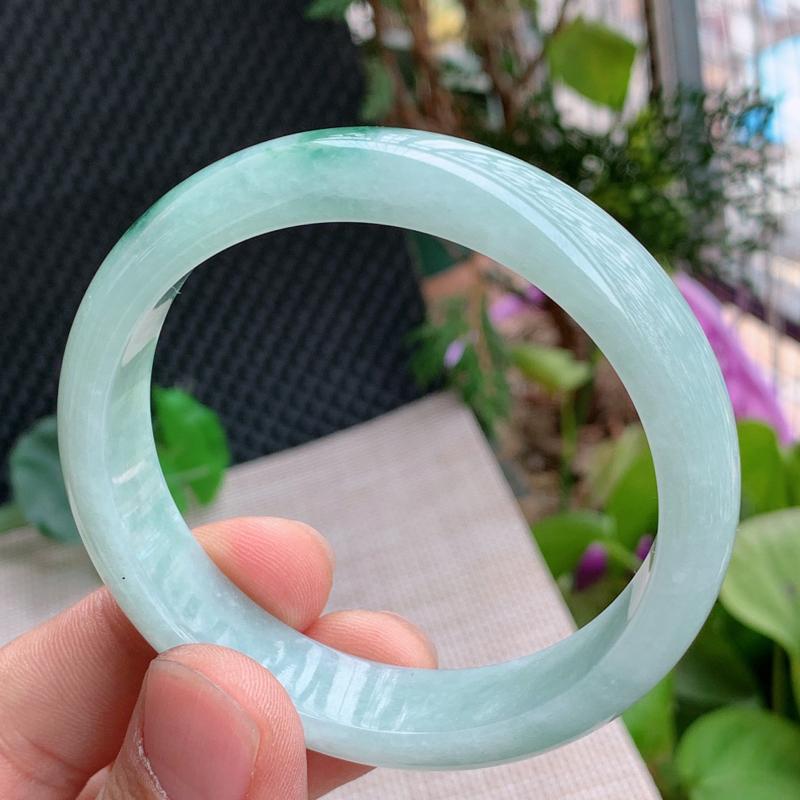【高性价比】飘花手镯、圈口:58.5mm,A货翡翠飘花宽边手镯、编号0121wx