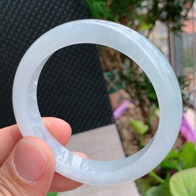 【细腻手镯、圈口:56.5mm,A货翡翠冰润细腻宽边手镯、编号0122wx】图5