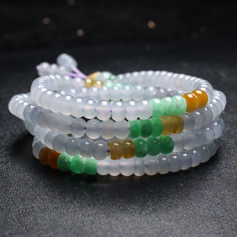 拍下有礼天然翡翠珠链,共191颗珠子,取其中一颗珠尺寸5.9*4.1mm,珠子清秀高雅,玉质莹
