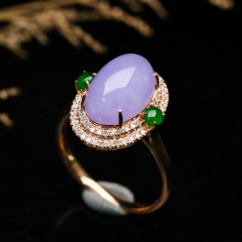 拍下有礼18K金镶嵌伴钻紫罗兰蛋面翡翠戒指,玉质莹润,端庄大方,上手效果高贵漂亮,尺寸圈口:1