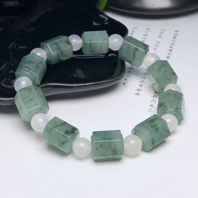 糯化种飘花六凌珠翡翠珠链手串、直径11.3*13.5毫米、质地细腻、飘花灵动、隔珠是装饰品、ADA1
