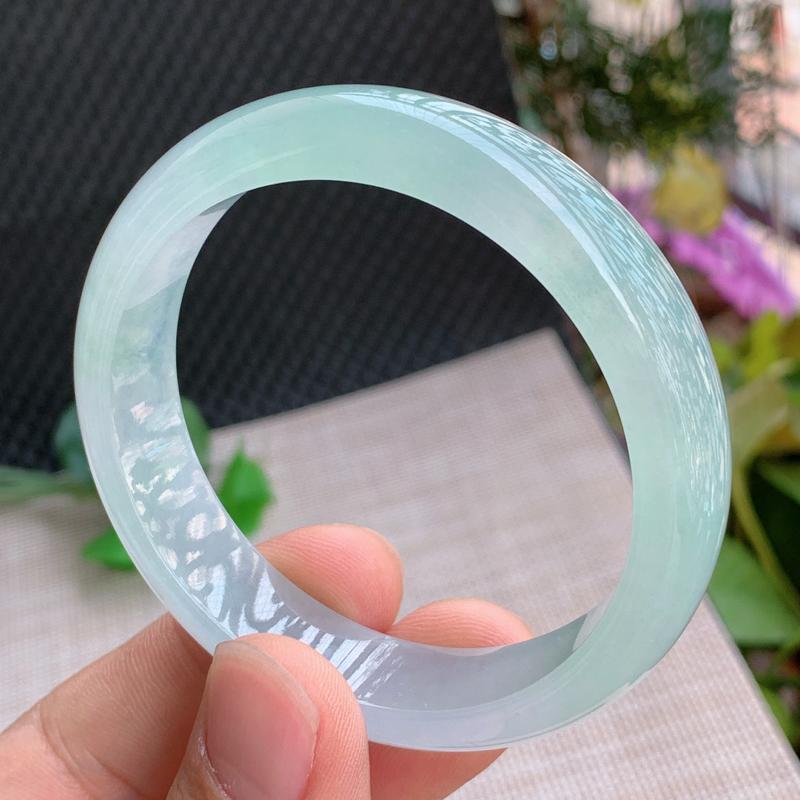 冰透手镯、圈口:57.7mm,A货翡翠冰透带绿宽边手镯、编号0125wx