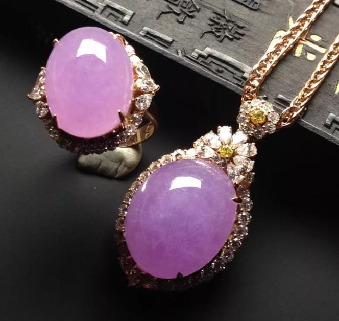 什么是紫罗兰翡翠,值得收藏吗?