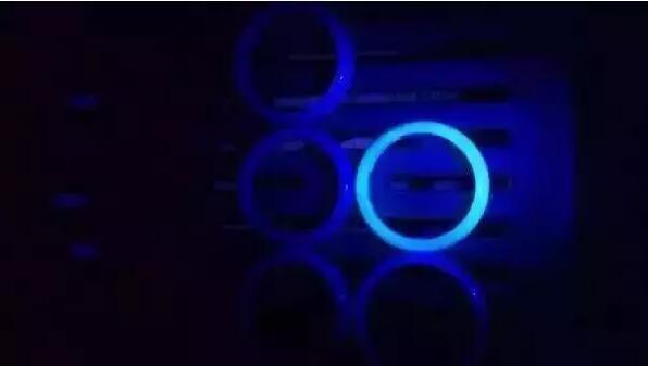 翡翠荧光反应