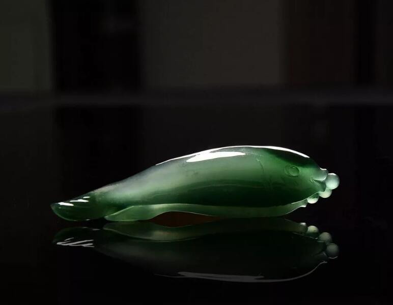翡翠玉雕师王立元作品《鱼水欢》
