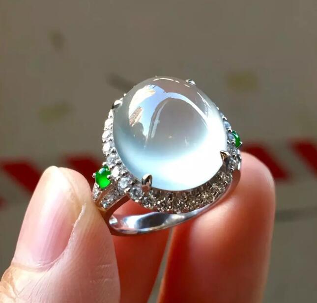 怎样鉴别玻璃种翡翠?