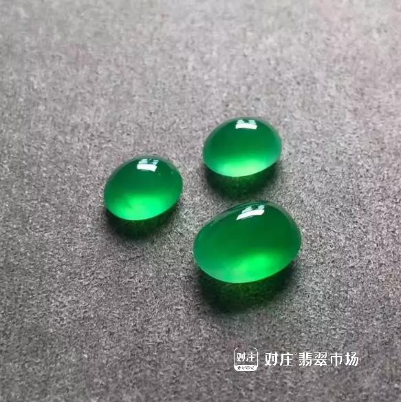 鉴定阳绿翡翠真假小妙招有哪些?