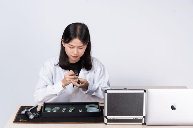 解密鉴定宝工作流程,如何保障翡翠消费者权益