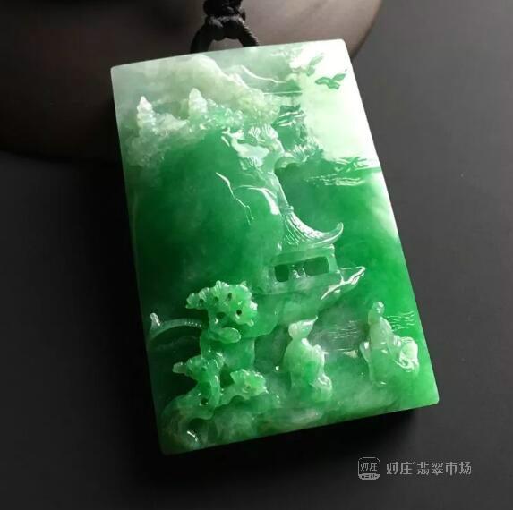 翡翠绿色代表什么含义?