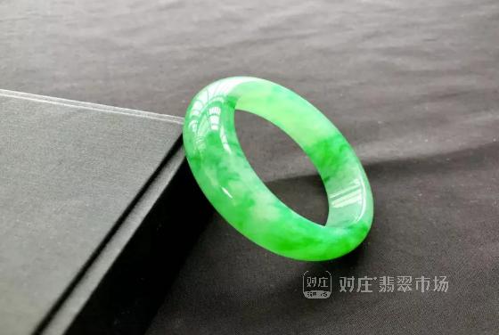 中国人为什么喜欢翡翠?翡翠文化及鉴赏