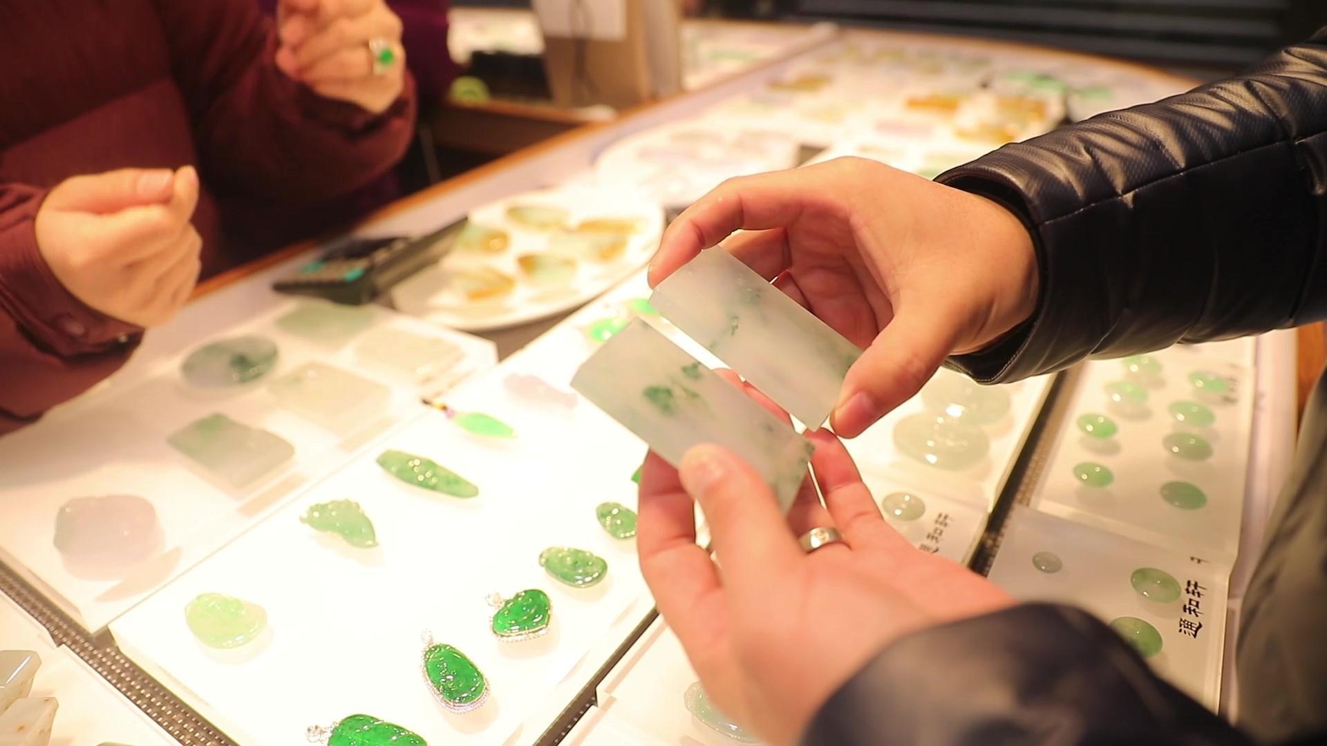 网购翡翠货不对版买贵现象泛滥,对庄翡翠app帮你避坑